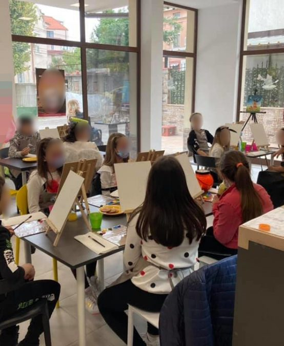 Какво се прави за отваряне извънкласните дейности в България – седмица втора